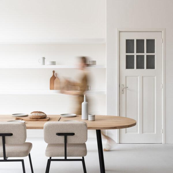 Studio HENK Tafel en stoelen